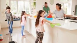 gezin_poetst_keuken